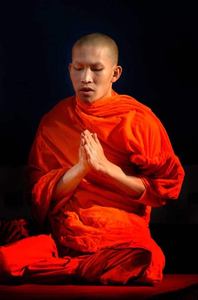 yoghin monk praying