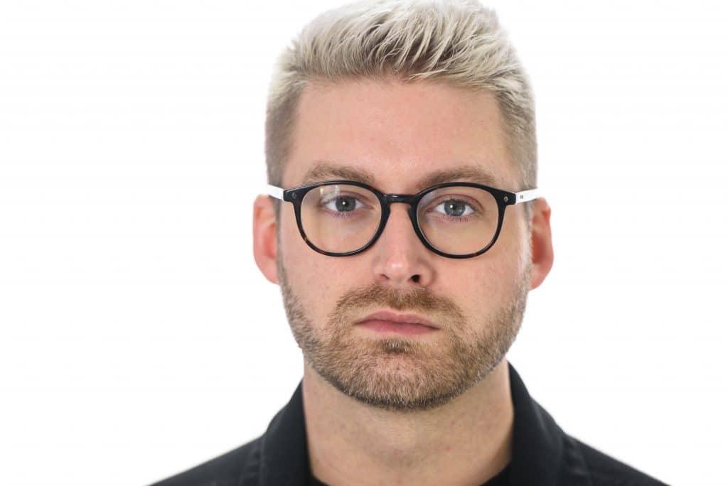Eyeglasses Eye Body Language Cue