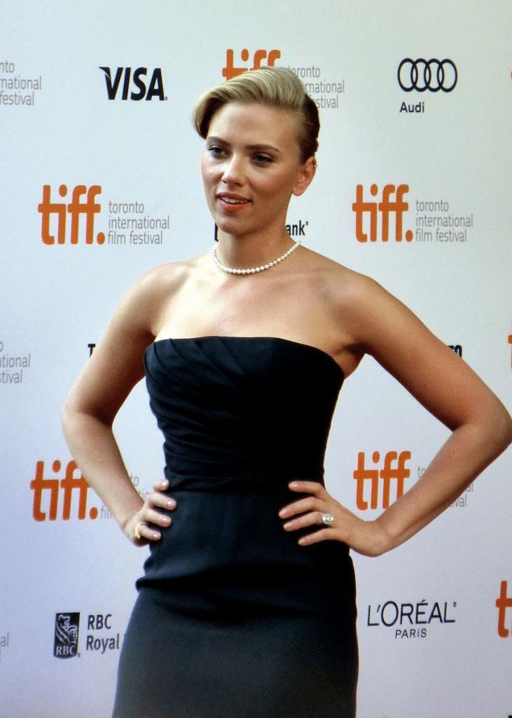 Scarlett Johanson donning the Superwoman Pose