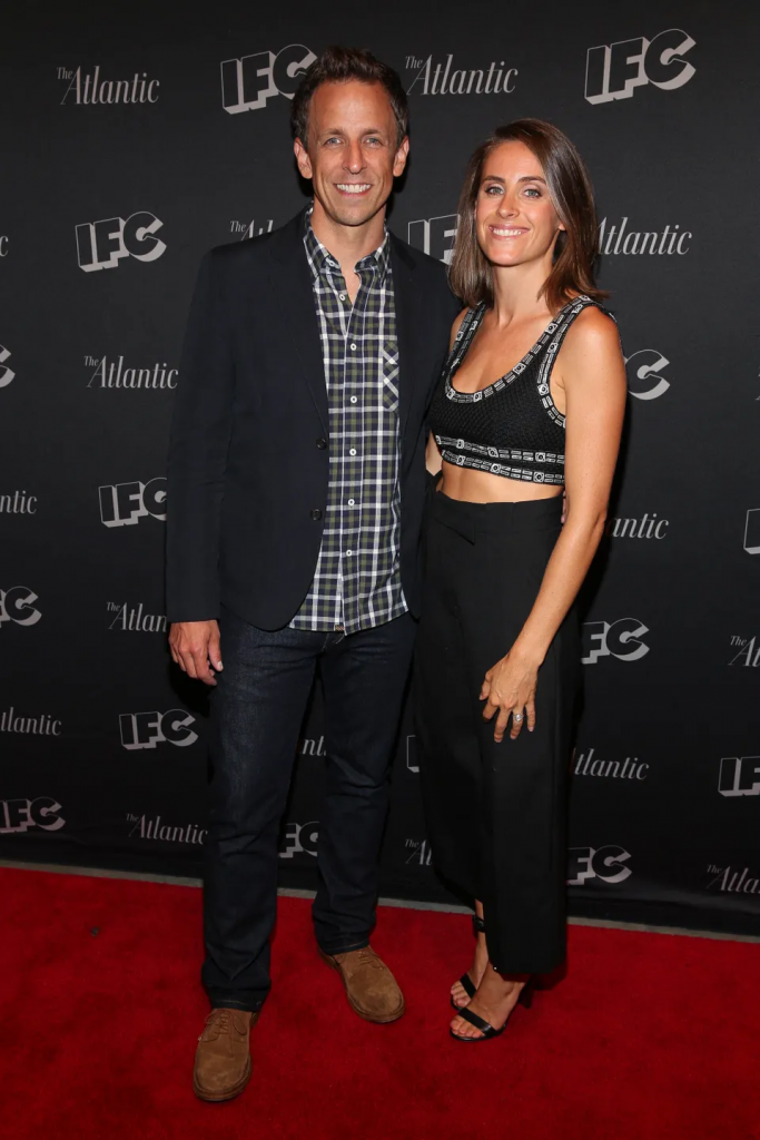 Seth Meyers and Alexi Ashe mirroring