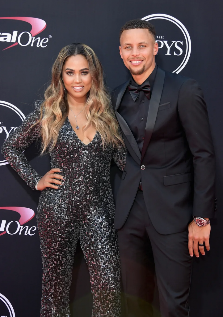 Steph and Ayesha Curry mirroring
